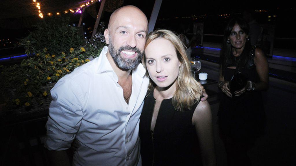 Arnaud Maillard, una de las mitades de Alvarno, junto a Ana Ureña