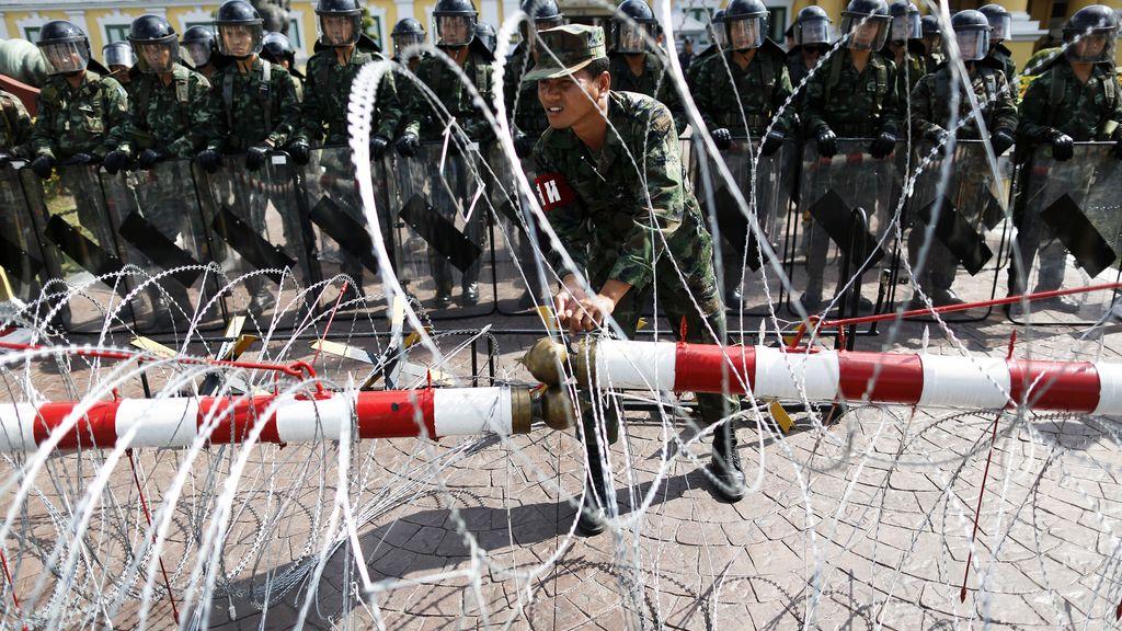 Aumentan la seguridad en el ministerio de defensa tailandés
