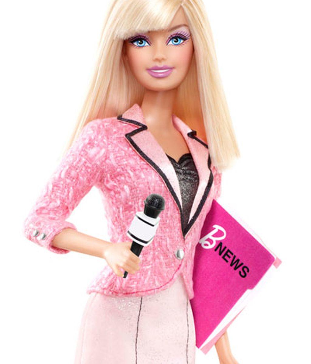 Barbie se saca las carreras de periodismo e informática