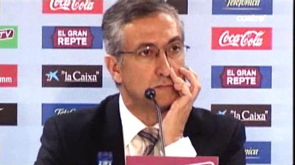 Las caras de Manzano en el Camp Nou