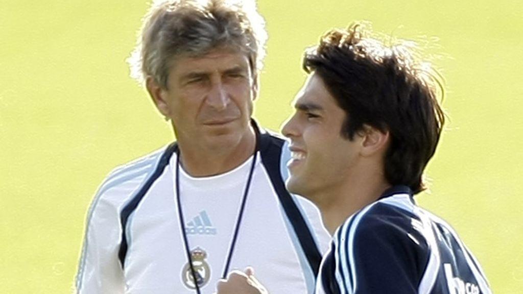 Pellegrini observa el entrenamiento de Kaká