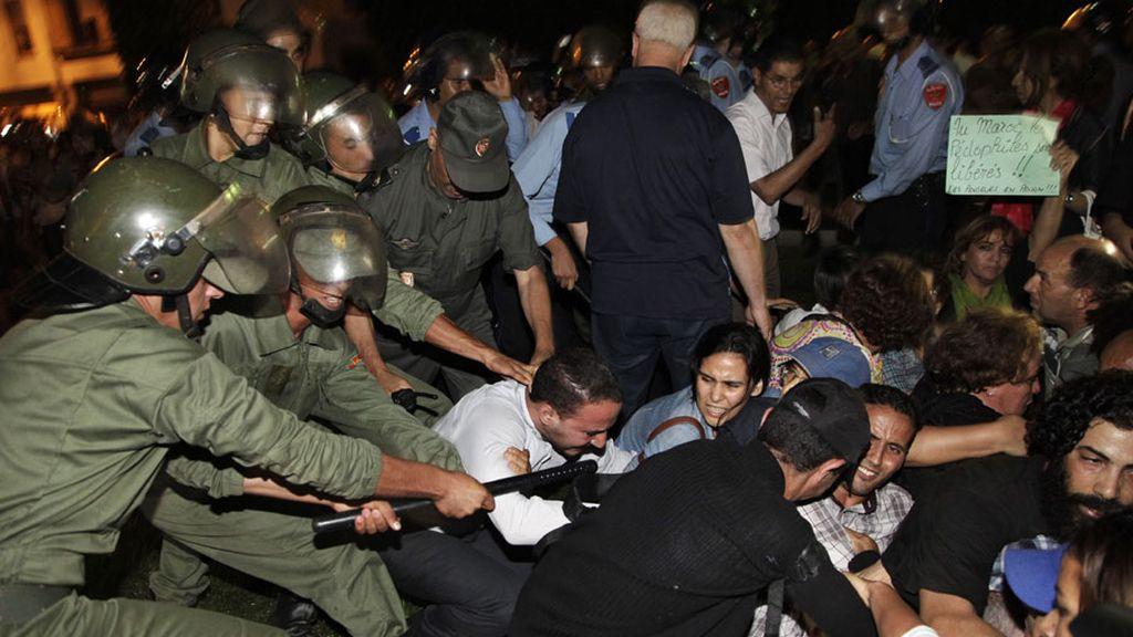 Protesta en Rabat por el indulto al pederasta español