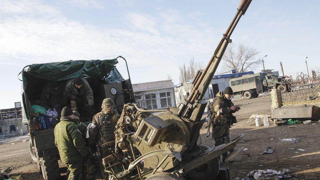 Separatistas prorrusos retiran armamento