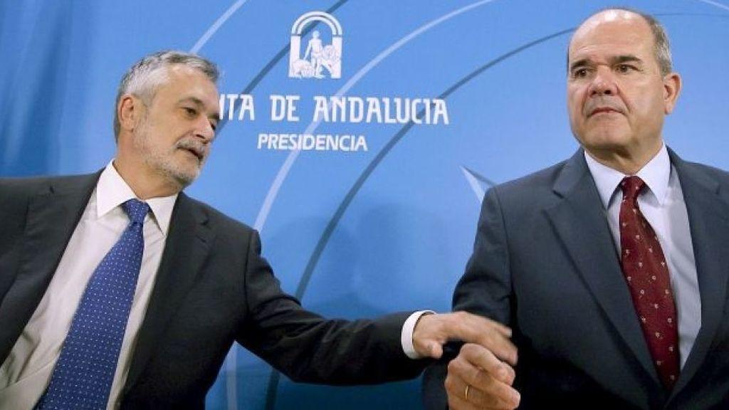 Chaves y Griñán renuncian a la militancia del PSOE