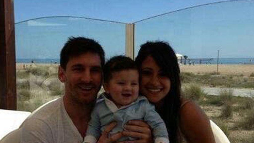 Leo Messi presenta a su hijo Thiago