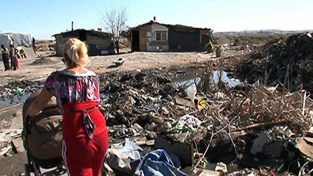 La basura está presente en todos los lugares del poblado