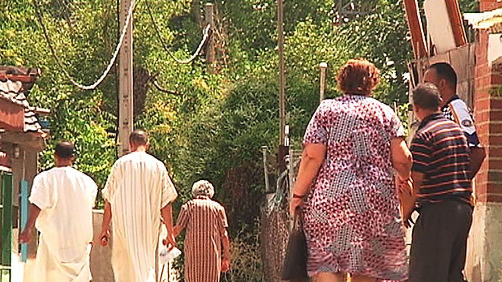 Gente de distintas razas, religiones y orígines conviven en el Poblado de Guadarrama
