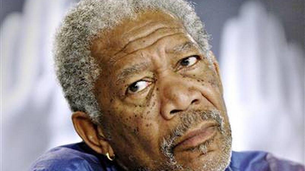 El actor Morgan Freeman, de 71 años, parece que se recupera satisfactoriamente. Vídeo: ATLAS.