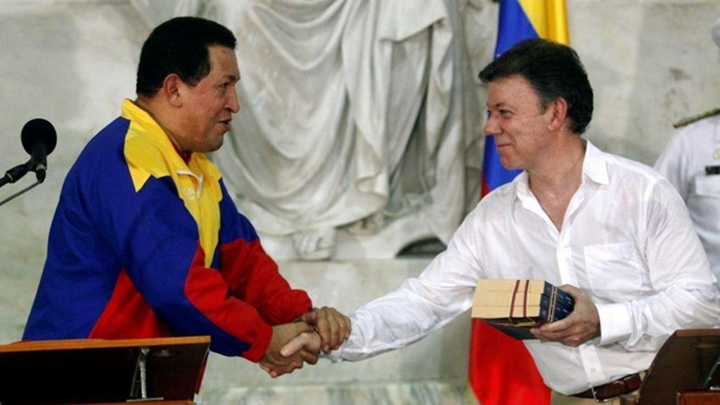 Chávez y Santos se saludan