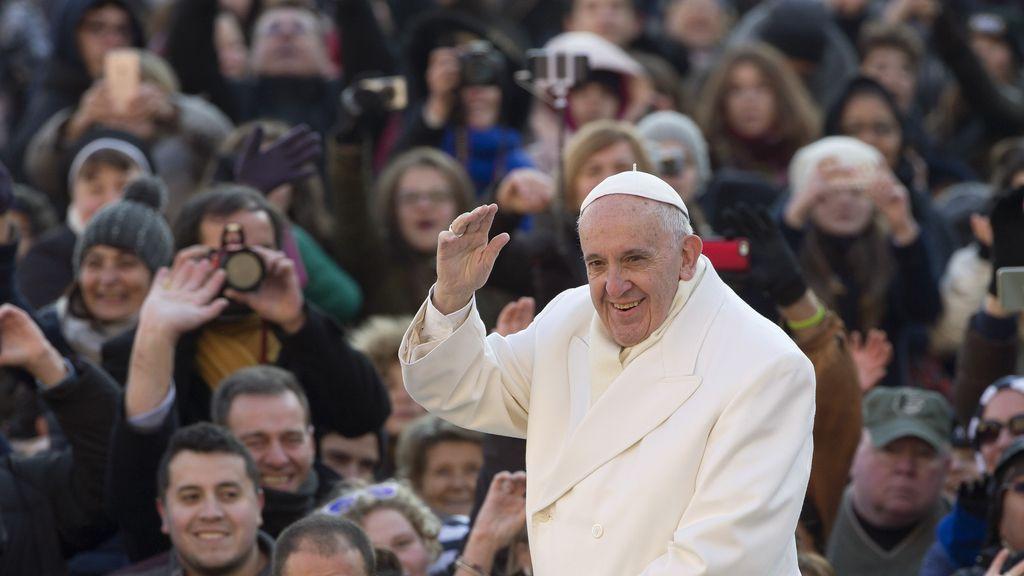 """El primer libro entrevista del Papa Francisco: """"Ningún pecado es demasiado grande para Dios"""""""