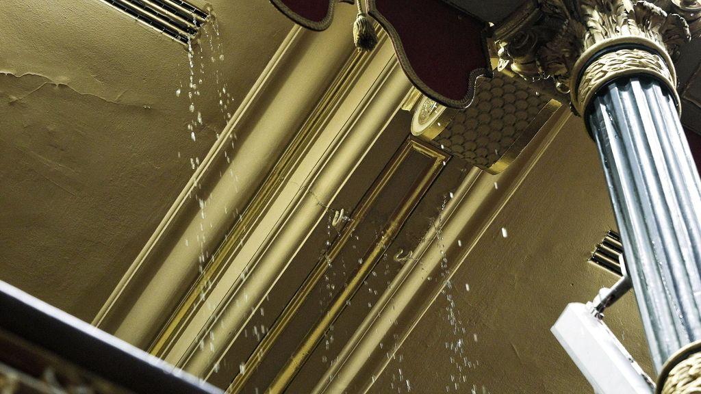 Filtraciones de agua que han desalojado la Tribuna de Prensa