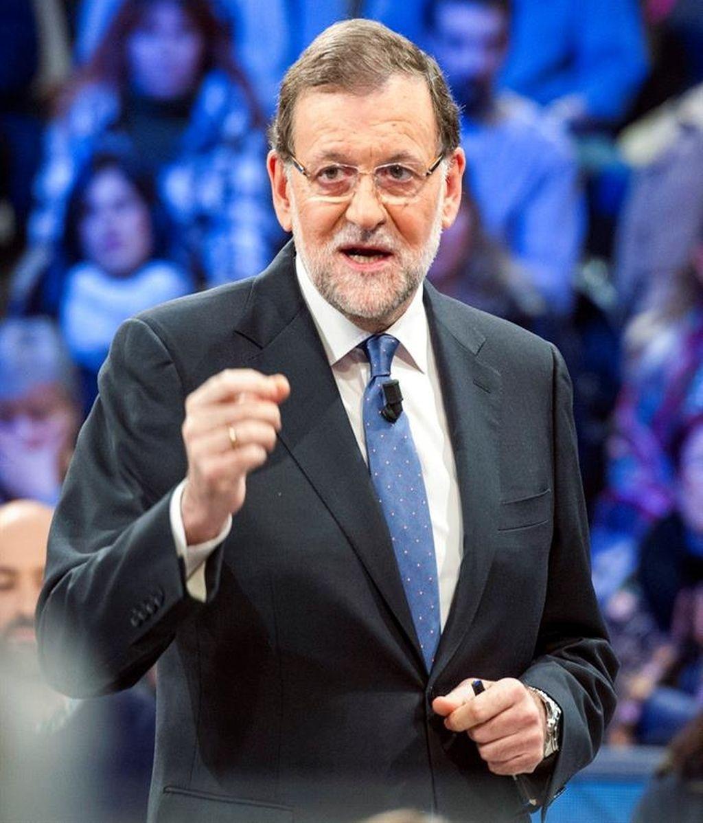 Rajoy ve fuera de 'parámetros democráticos' un tripartito PSOE, C's y Podemos contra PP