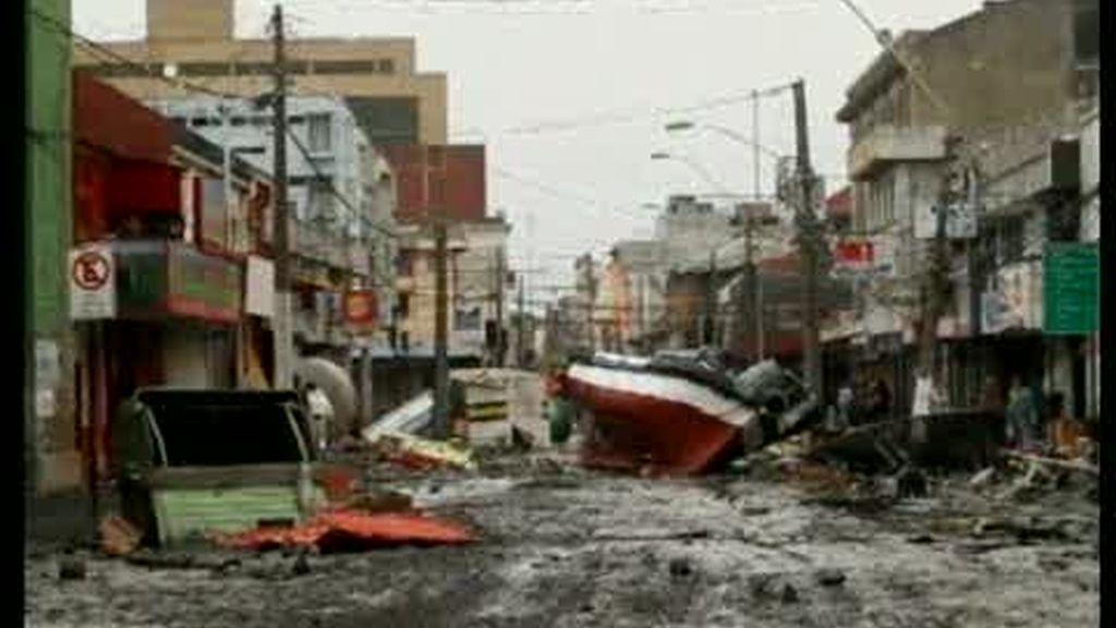 Después del terremoto, el tsunami