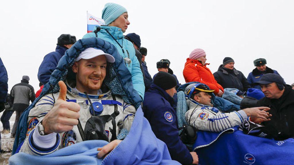 Aterrizan los astronautas Maksim Suraev, Reid Wiseman, Alexander Gers