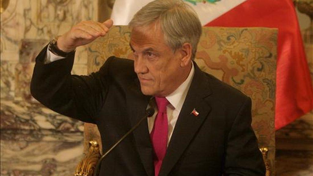 En una entrevista que publica hoy el diario popular La Cuarta, Piñera explicó lo que quiso decir el pasado abril, cuando visitó el archipiélago Juan Fernández, devastado por el terremoto y tsunami del 27 de febrero. EFE/Archivo