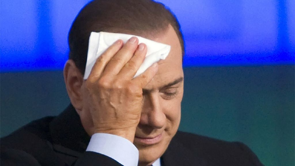 Berlusconi sofocado