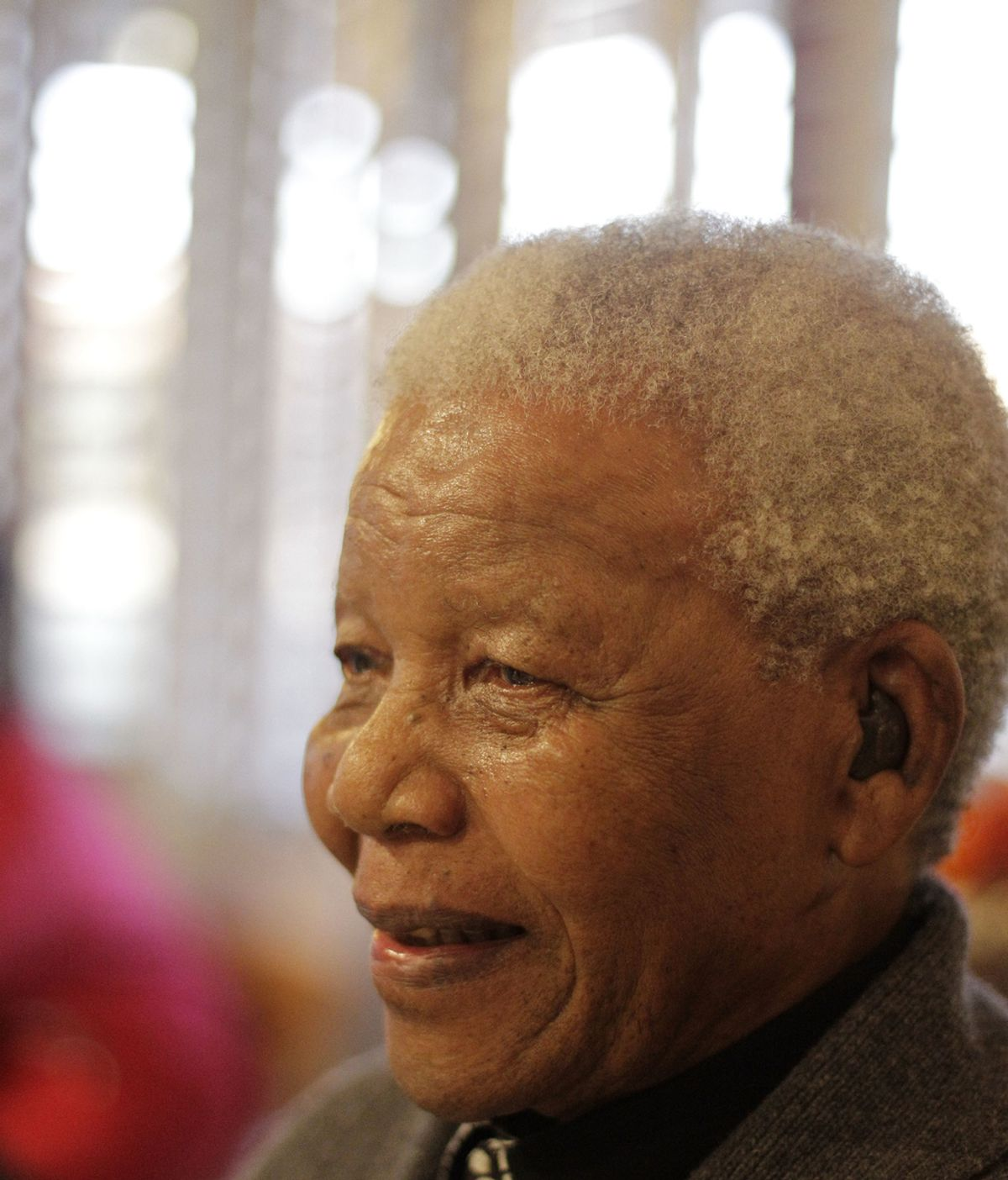 Mandela ingresa grave en el hospital por su recurrente infección pulmonar