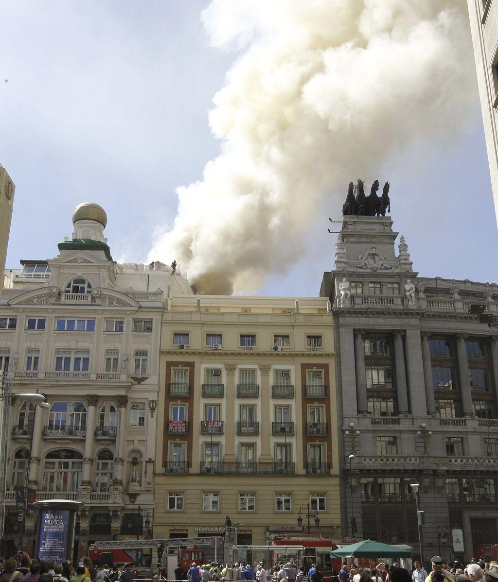 La inmensa columna de humo