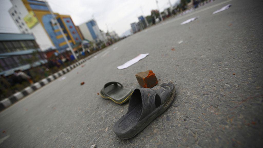 Miles de personas linchan y ahorcan a un sospechoso de violar a una niña en la India