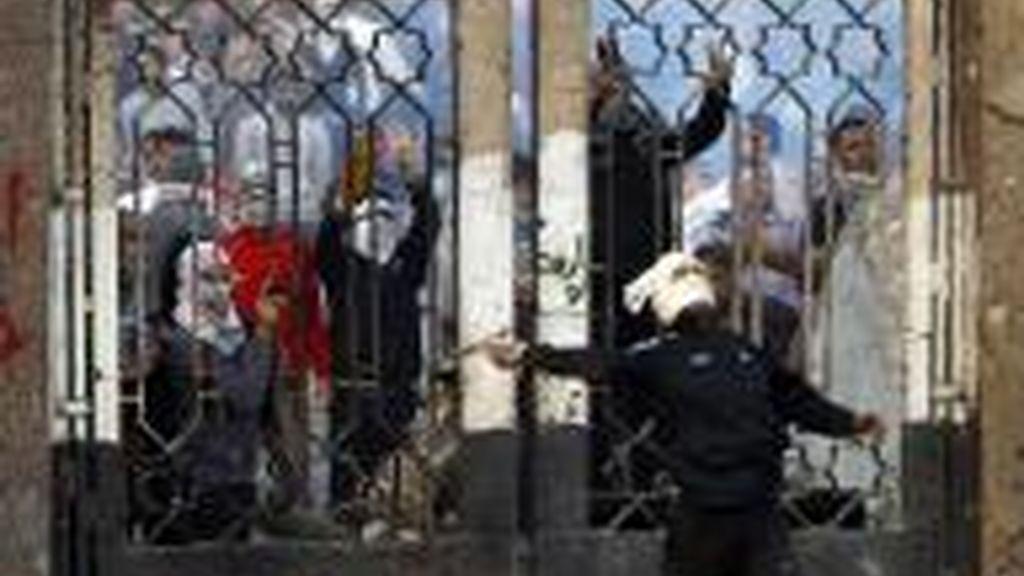 Muere un estudiante en unos enfrentamientos contra la Policía en El Cairo