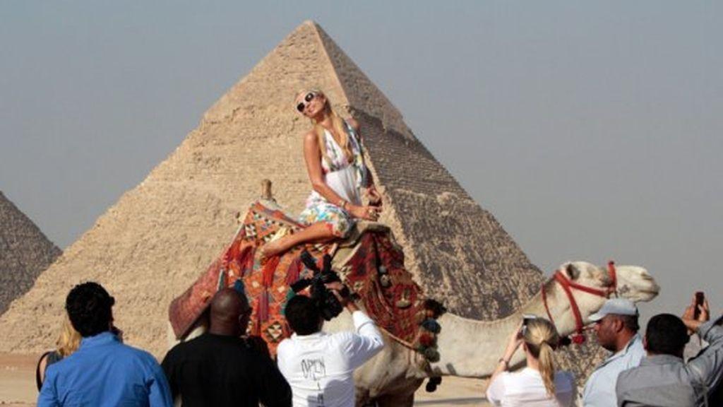 Paris Hilton se cree Cleopatra