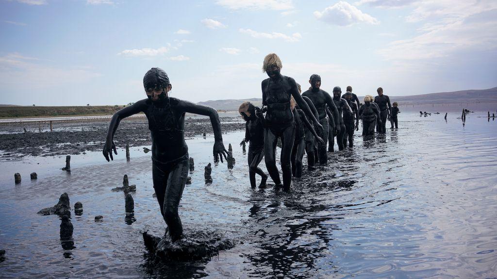Baño de barro en el Mar de Azov