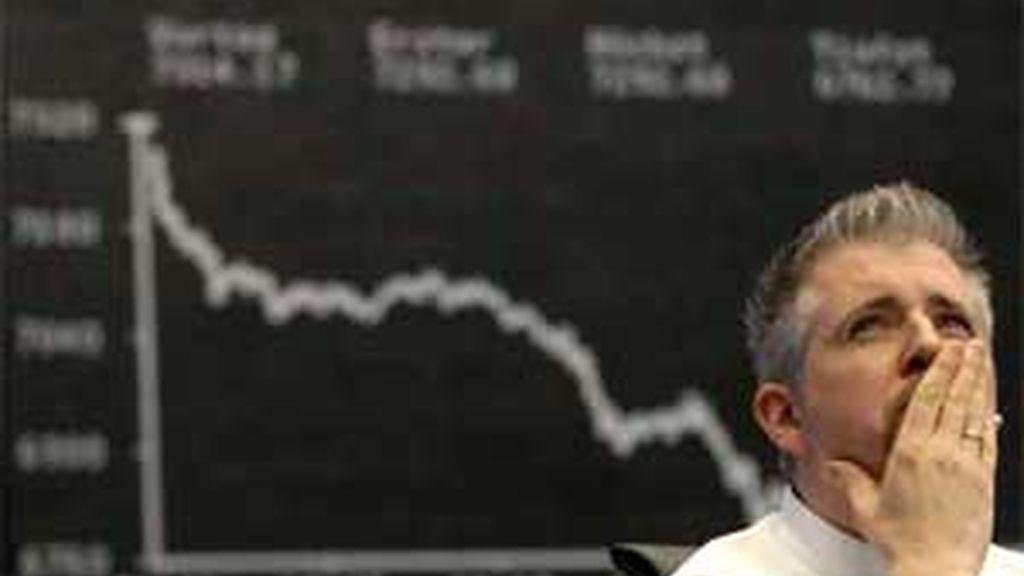 El aumento del pago hipotecarion en 2007 en EE.UU. arrastró a la caída del mercado internacional. Foto: AP.