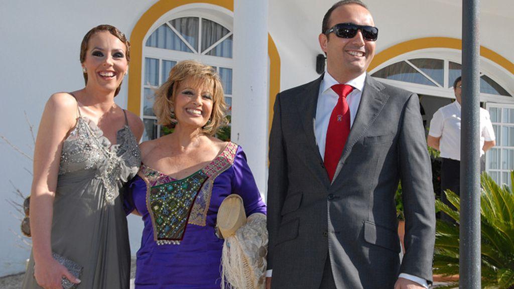 Pasarela de famosos en la boda de Chayo Mohedano