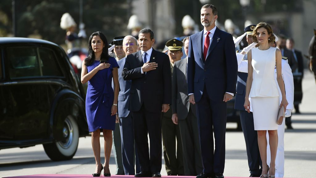 Los reyes dan la bienvenida al presidente de Perú, Ollanta Humala, y su esposa