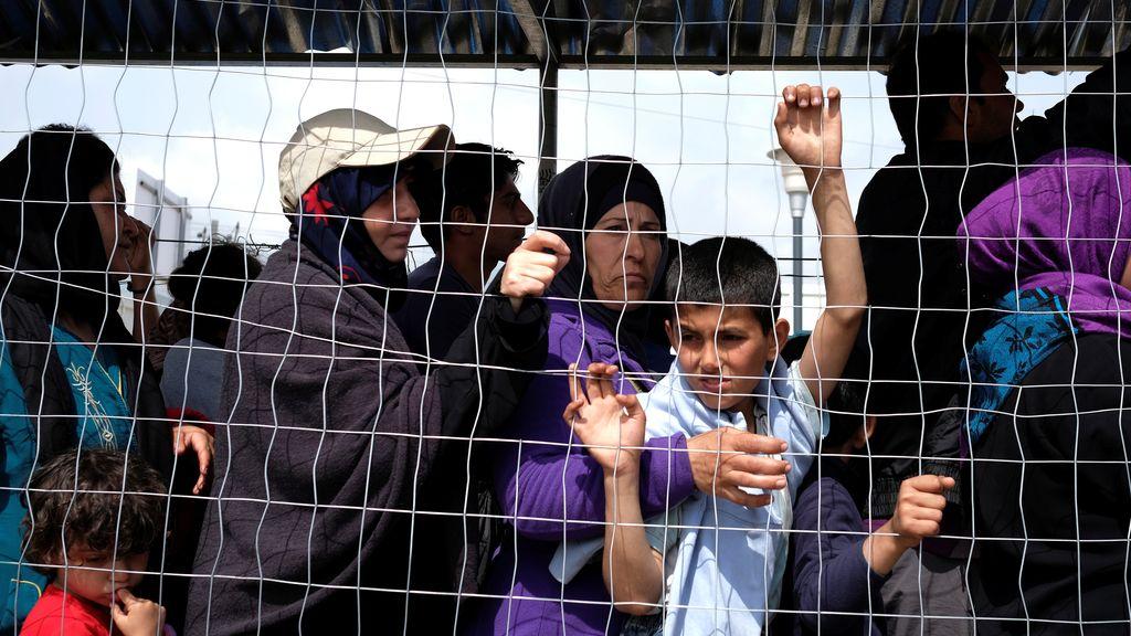 Colas para recibir ayuda en el campo de refugiados de Idomeni
