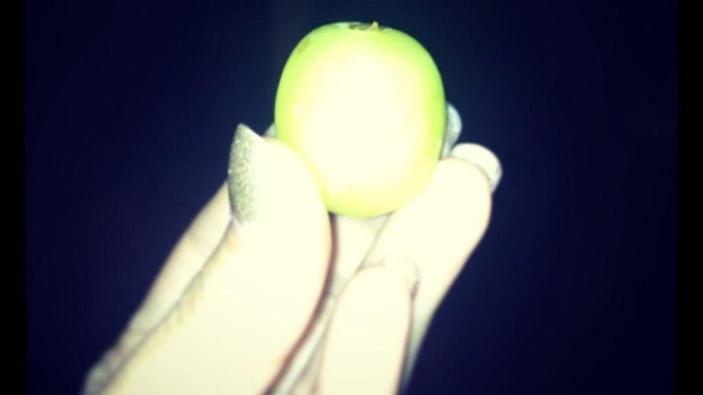 Edurne y sus maxi uvas