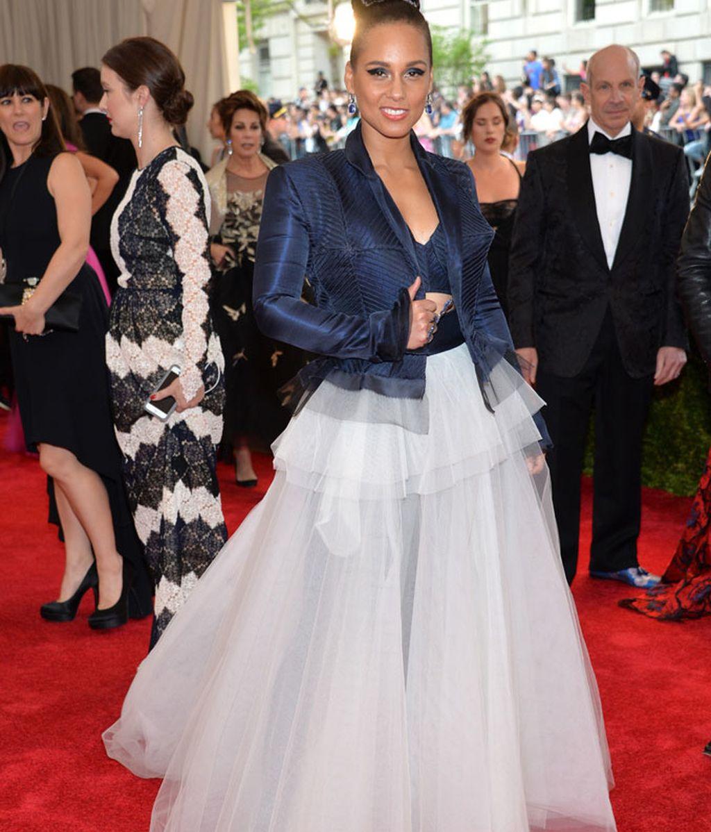 Alicia Keys vestida por Jean Paul Gaultier