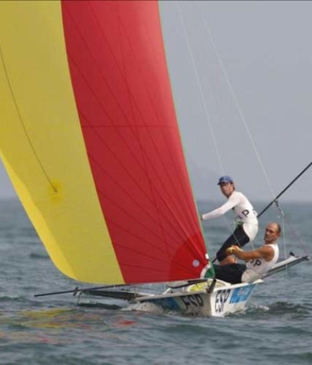 Los españoles Iker Martínez y Xabier Fernández obtienen la medalla de plata en la clase 49er de vela