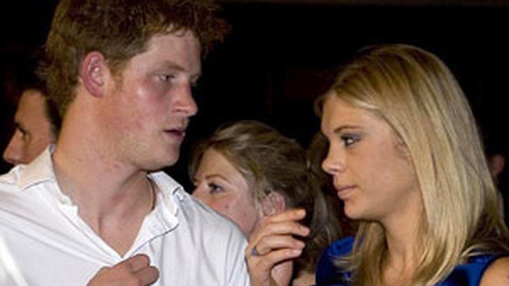 """Chelsy y el príncipe Harry rompen su noviazgo. La chica confiesa que llegó """"la hora  de dejarlo"""".  Foto archivo"""