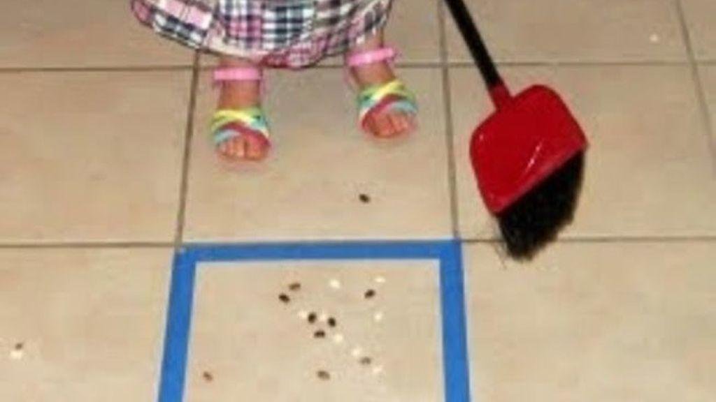 5. Si haces que las tareas del hogar sean un juego, los niños querrán formar parte de ellas