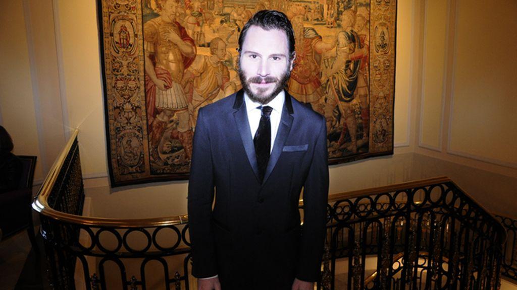 Rubén Ochandiano asistió a los premios GQ vestido de Armani