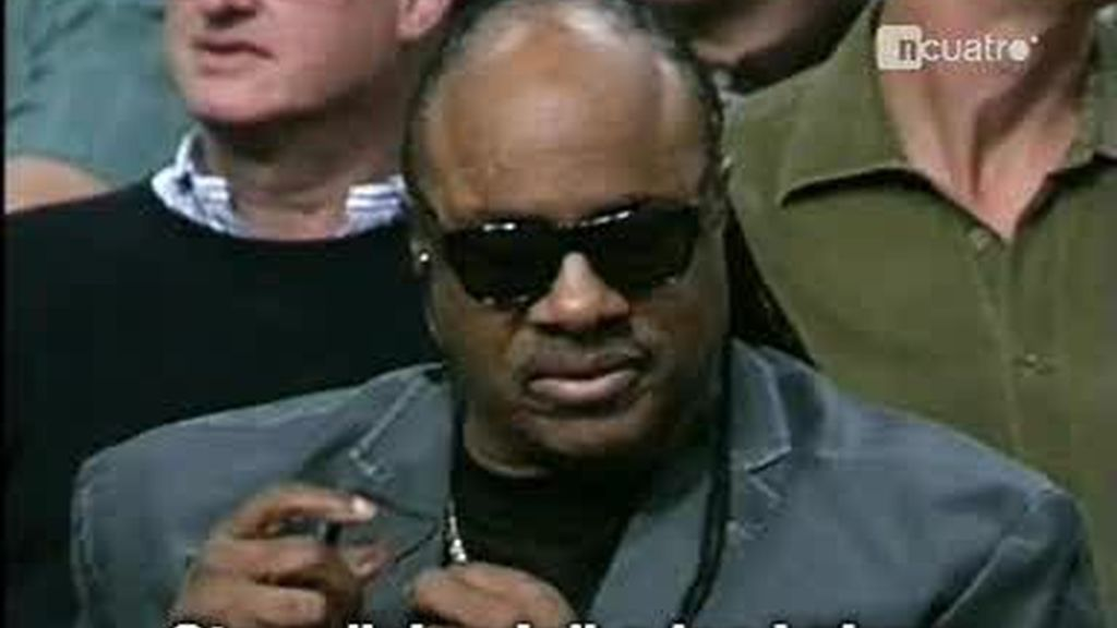 Stevie Wonder 'viendo' a los Lakers