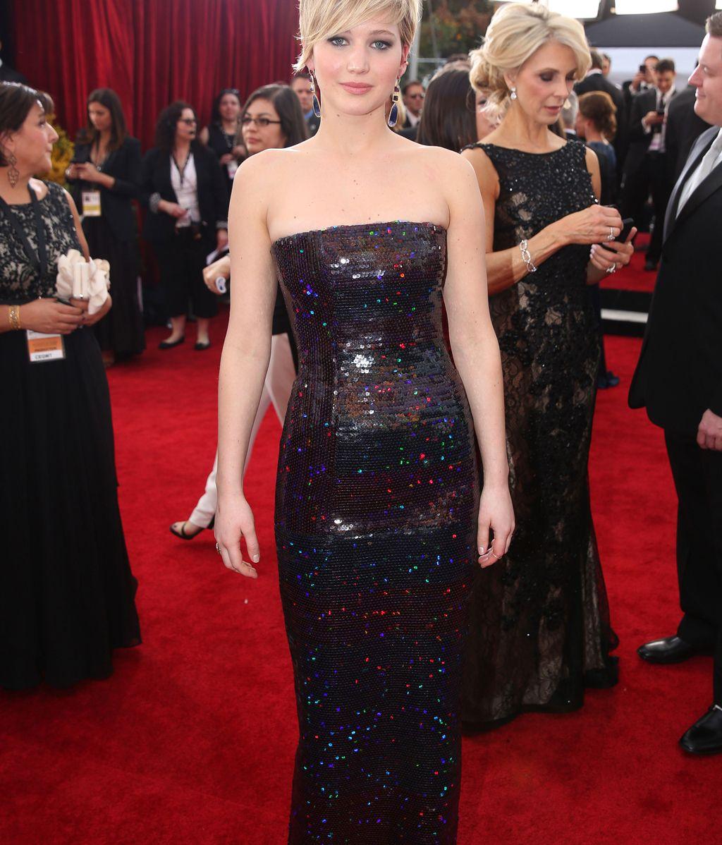 Jennifer Lawrence, espectacular de negro
