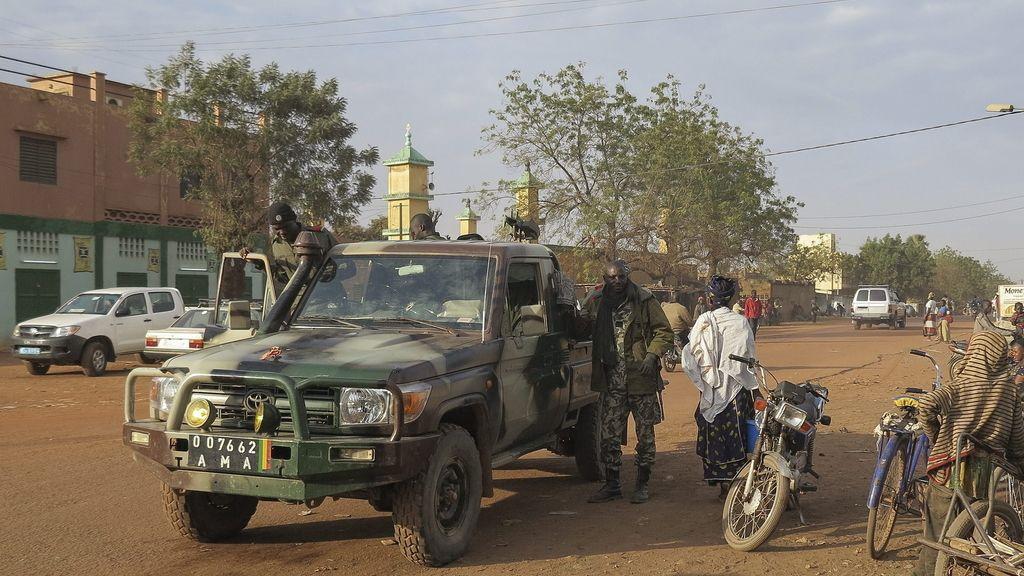 Hombres armados matan a una decena de civiles en Malí
