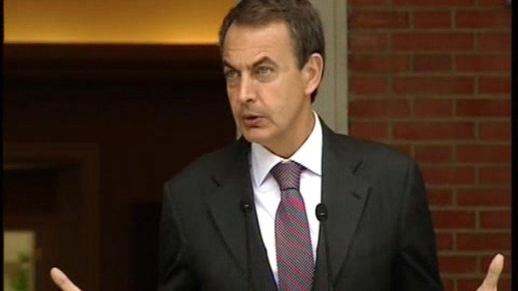 """Zapatero anuncia la reforma laboral para el 16 de junio """"con o sin acuerdo"""""""