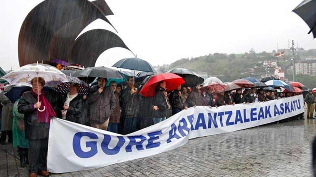 Miles de personas piden la liberación del Alakrana