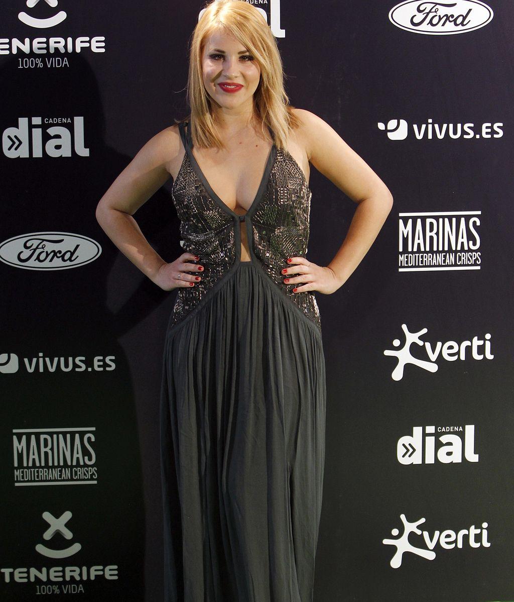 Lucía Gil, con vestido y escotazo