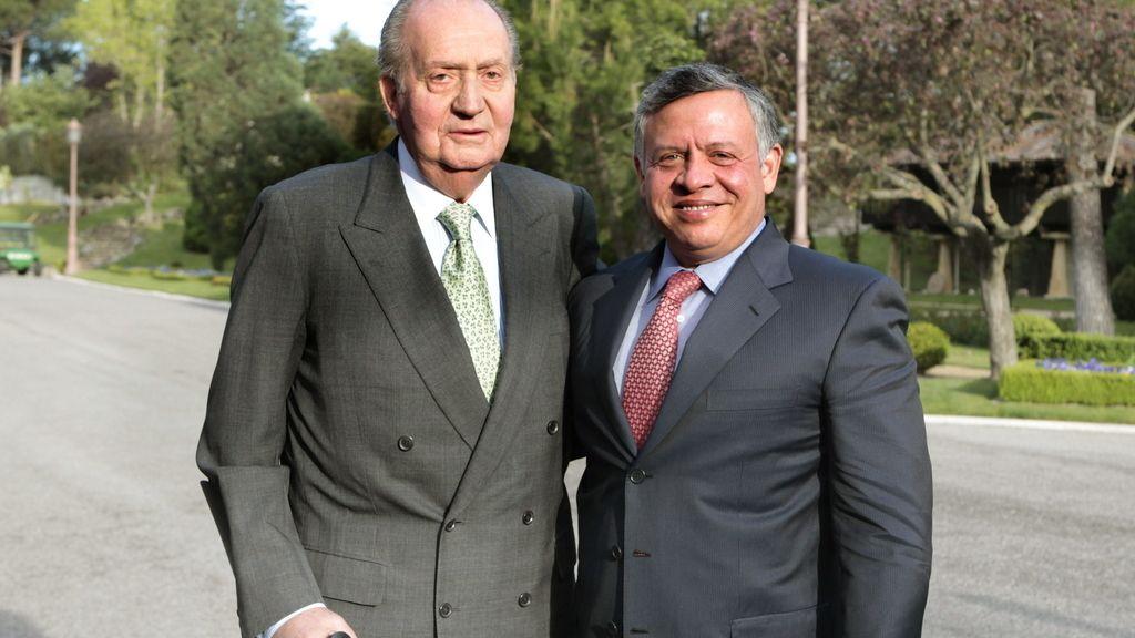 Rey Don Juan Carlos con Abdalá II de Jordania. Foto:EFE