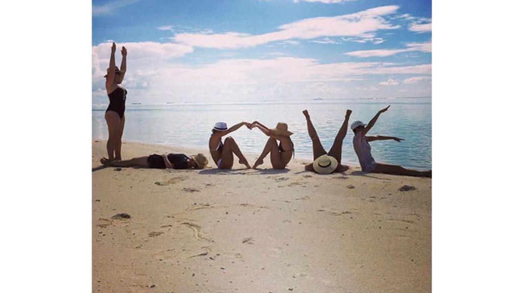 Miranda Kerr celebra San Valentín con amigas
