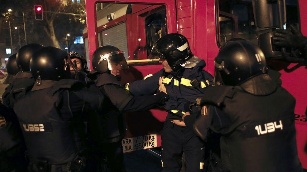 Detenido un bombero en la marcha de apoyo al Gamonal en Madrid
