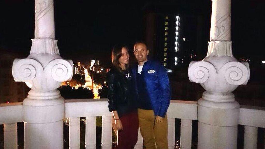 Andrés Iniesta y su mujer Anna Ortiz