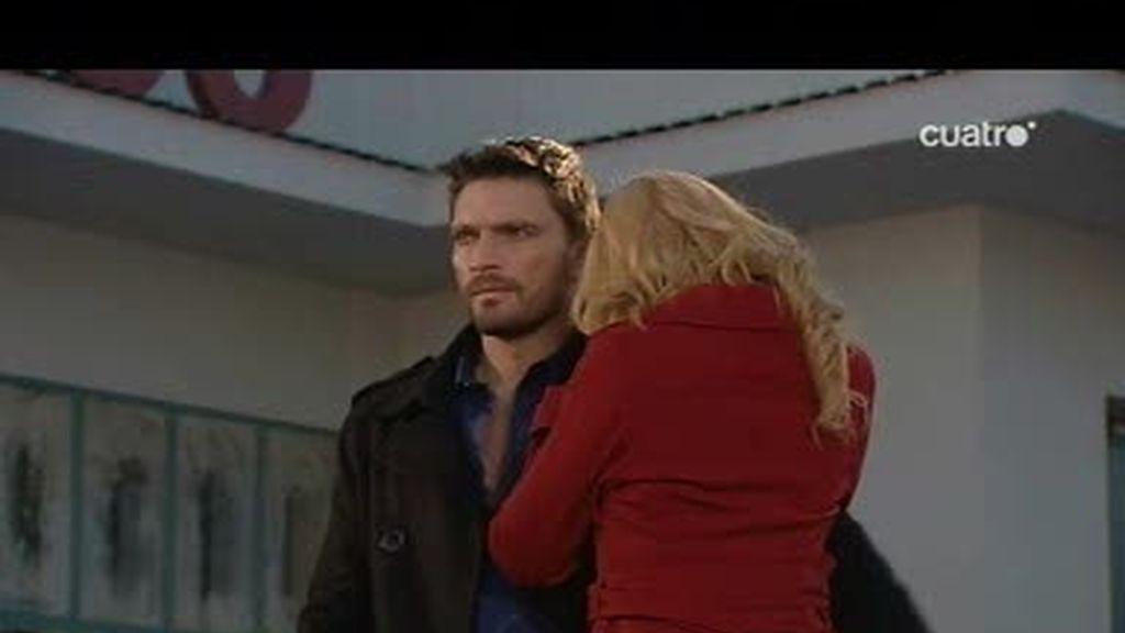 Leo defiende a Juana ante las acusaciones de Alba