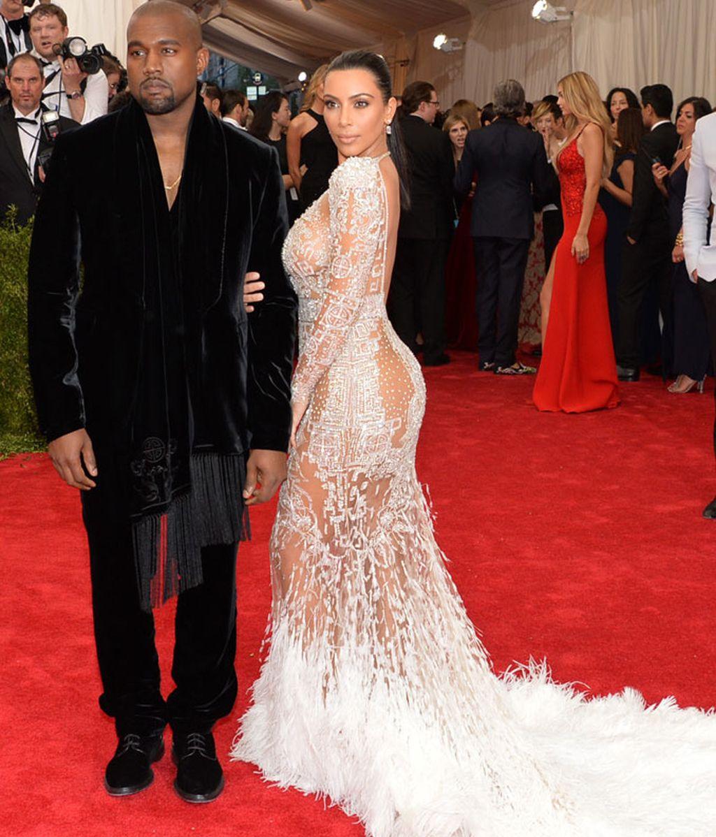 Kim Kardashian de Roberto Cavalli junyo a su marido Kanye West