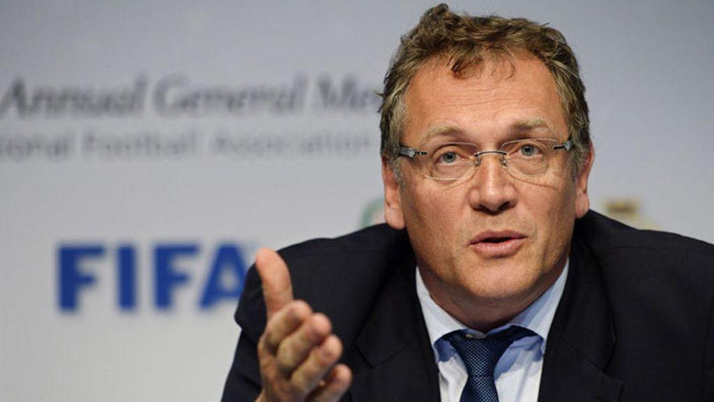 La FIFA prolonga la suspensión de su secretario general Jerome Valcke