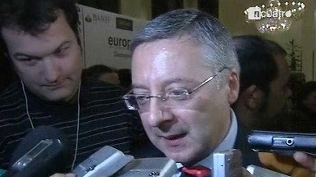 El PSOE corrige al Gobierno de Zapatero